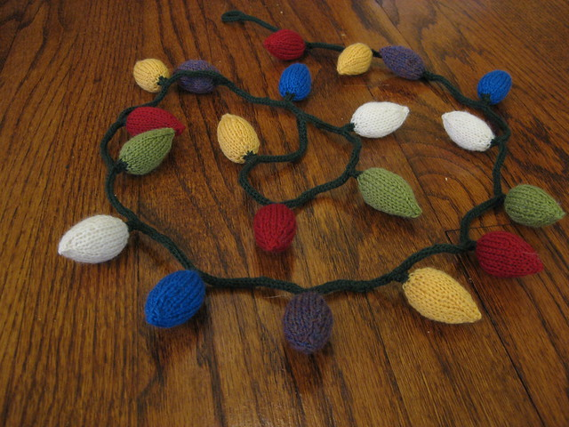 Knitting Pattern Christmas Lights : Knitted Thoughts: Knitted Christmas Ornaments
