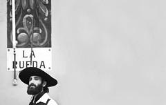 hombre mirando sus campos del sudeste (quino para los amigos) Tags: argentina hat farm campo laboca sombrero gauchos barba gaucho cafrune larueda dsc0316