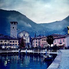 Pisogne. (Estefano M.F.) Tags: italy color colour mediumformat lago italia diseo medioformato bronicasq pisogne fijichrome400x