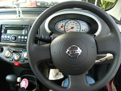 Micra steering wheel (Suzieboots) Tags: pink car nissan elvis micra firstcar belgianchocolate citycollection londonrose