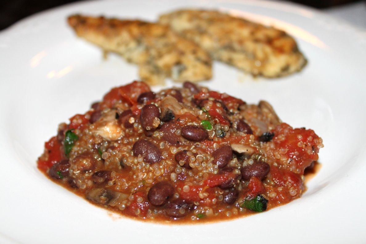 A Teaspoon and A Pinch: Quinoa and Black Beans