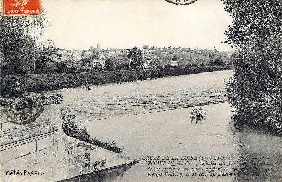Cisse refoulée par la crue de la Loire à Vouvray le 22 octobre 1907