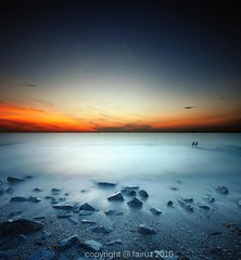 HOPELESS (mr_fairuz) Tags: sunset beautiful 35mm long exposure background format jeram foreground manfrotto 2010 ikan aroma bakar fairuz remis terbaik 2035 vignet zilzal vertorama
