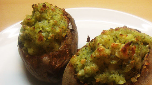 Pesto baked potato