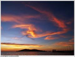 Warna petang di pantai UMS (sam4605) Tags: sunset landscape ed jetty olympus malaysia e1 sabah jeti pemandangan ums zd sabahborneo 1442mm universitimalaysiasabah pantaiums kotakinaabalu