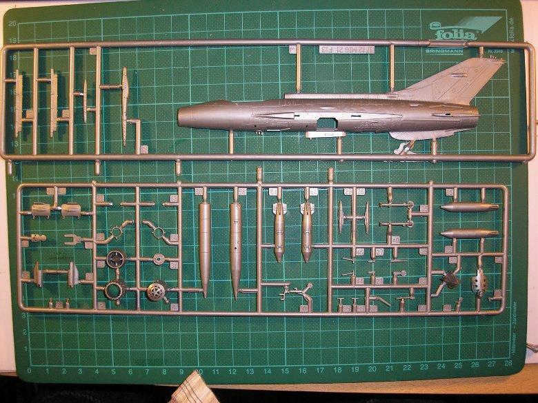 DC-6b Sécurité Civile de HELLER au 1/72ème - Page 3 4538394909_7a04e0510c_o_d