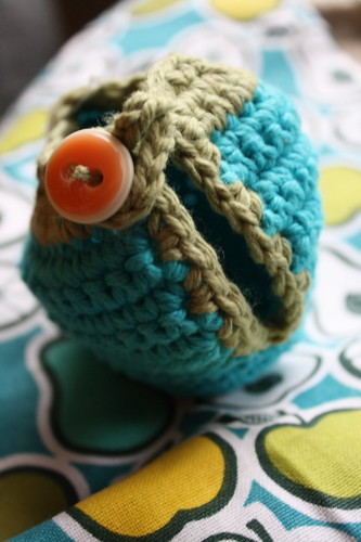 apple knitted holder from etsy--early girl