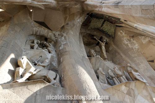 entrance sculptures of sagrada familia