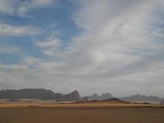 Chad Tibesti NE (ursulazrich) Tags: tschad chad ciad tchad sahara africa afrique afrika sahel tibesti ouri mountains rocks sand clouds klima climate haze dunst
