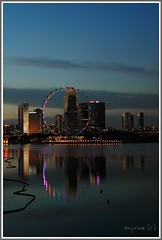 Circle of Lights (lovezer0) Tags: nightphotography singapore marinabarrage singaporeflyer