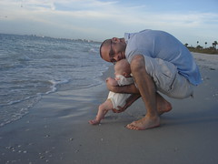 I don't like the water! (fritz_da_kat) Tags: beach stpetersburg florida daughter stpetersburgbeach minirat