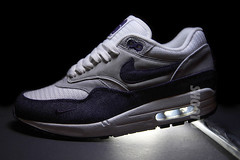 Patta x Nike Air Max 1 Premium TZ (SHOOTO) Tags: amsterdam canvas am1 nubuck shooto tinkerhatfield patta am87 tamron1750mmf28 canoneos40d airmax1premium purpledenim lacebag tierzero lacebagnl babyswoosh teampatta flickr2twitter amsterdamboutiquepatta pattaamsterdam patta5jaar nikeairmax1premium gilaoortje patta5thanniversary 394805100 whitegrandpurplemttsilver blancvilepfargmat nikeairmax1tzpatta nikeairmax1premiumtz nikeairmax87premiumtz nikeairmax87premium pattaxnikeairmax87premiumtz pattaxnikeairmax1premiumtz pattaxnike airmax1premiumtz