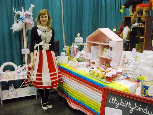 Chelsea Ann aka Itty Bitty Birdy at Super Colossal Holiday Sale