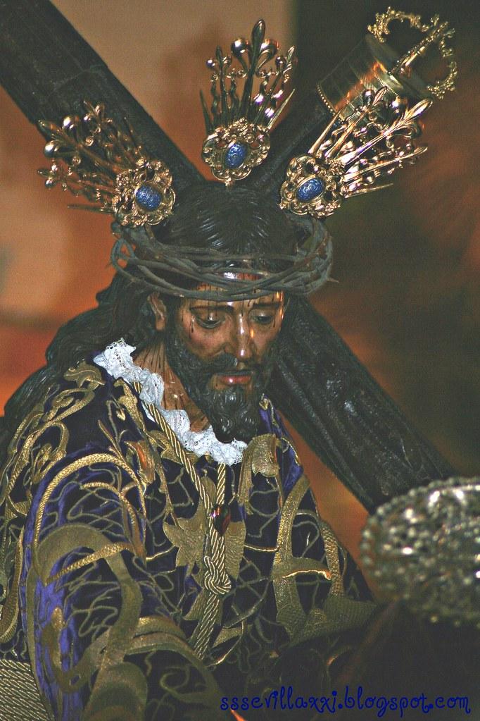 Nuestro Padre Jesús con la Cruz al Hombro.