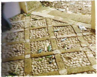 stone and pebble paving (Lost Gardens of Heligan - Tim Smit)
