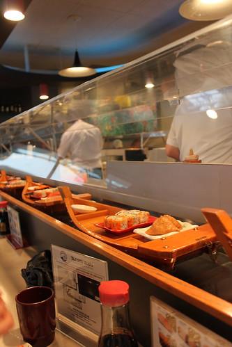 Vancouver's loveliest sushy place: Tsunami Sushi
