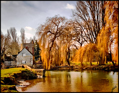 River Thames, Lechlade , UK (JAKE473) Tags: thegalaxy platinumheartaward mygearandmepremium mygearandmebronze aboveandbeyondlevel1 flickrstruereflection1 flickrstruereflection2 flickrstruereflection3 flickrstruereflection4 flickrstruereflection5 flickrsfinestimages1 flickrsfinestimages2 flickrsfinestimages3