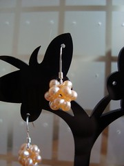 """Silk"" earrings in peach"