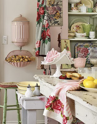 Kitchen-Shabby-Pink-Green-HTOURSS0507-de[1]
