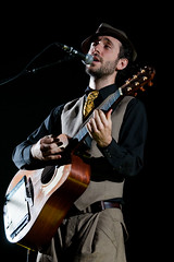 """Charlie Winston @ Hammersmith Apollo - London • <a style=""""font-size:0.8em;"""" href=""""http://www.flickr.com/photos/32335787@N08/4443265604/"""" target=""""_blank"""">View on Flickr</a>"""
