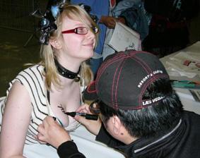 100413 - 人物設計師「吉松孝博」簽完上乳換胸毛,動漫盛會「Sakura-con 2010」天堂地獄走一回