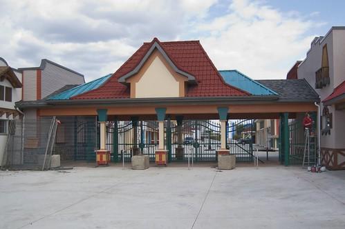 Calypso tour - front gate