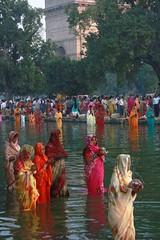 Photo Essay  Chhat Pooja, India Gate (Mayank Austen Soofi) Tags: sun festival community delhi suraj walla bihar chhath biharis