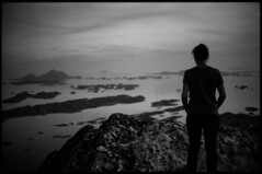 untitled (Torris Kaul) Tags: leica summer white mountain black film islands view kodak tmax top c rangefinder hike norwegian summicron negative coastline 100 f2 40mm cl 402 nanna analouge 2147 autaut nightevening