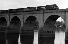 Cargo Train on Rockville Bridge (je245) Tags: bridge railway apx100 diafine harrisburg leicaii voigtlanderapolanthar90mmf35
