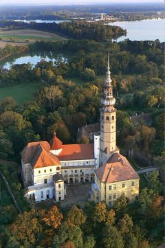 Zámek Tovačov se Spanilou věží, autor: www.tovacov.cz