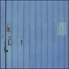 blue mode (l'homme de l'autre rive) Tags: door blue bleu porte villeneuvette