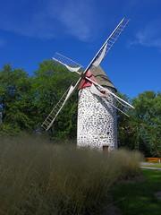 Moulin de Pointe-aux-Trembles (*Alain) Tags: canada mill windmill moulin vent wind quebec 1719 pointeauxtrembles
