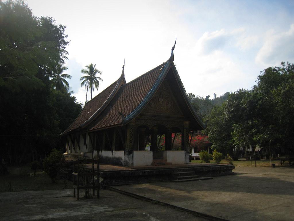 Vat Long Khun