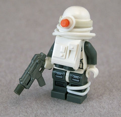 Winter Post-Apoc Heavy Trooper (Titolian) Tags: winter trooper gun post lego smg heavy apoc brickarms