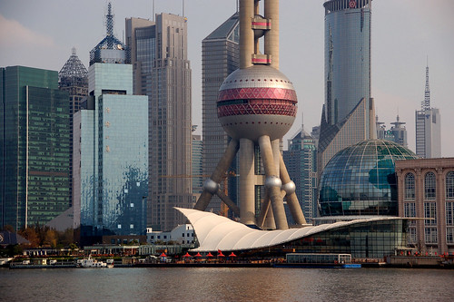 Image Oriental Pearl TV Tower, Shanghai, China, Copyright © J. Unrau