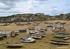 "Cornwall_Boats_on_beach • <a style=""font-size:0.8em;"" href=""http://www.flickr.com/photos/44019124@N04/4100396173/"" target=""_blank"">View on Flickr</a>"