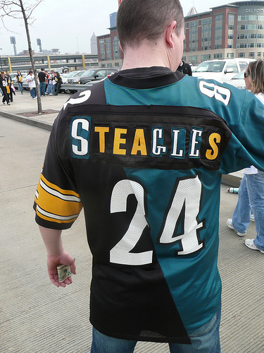 Pittsburgh Steelers jersey, helmet have gone through a series of ...