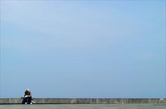 the small pleasures of life [i] (bNat!) Tags: old blue sky man primavera home azul newspaper spring mayor cel mini minimal cielo promenade gran blau minimalism minimalismo donosti minimalist euskalherria euskadi hombre basquecountry donostia periodico zurriola guipuzcoa paísvasco sansebastián diari guipuzkoa paseomarítimo santsebastià minimalisme paísbasc passeigmaritim euskalautonomiaerkidegoa thesoundofthesea lafotomehainspiradoesto aunquevayaconelidemomentolaserienotieneiip thepicinspiredmethis althoughtheitheserieshasnoiiyetp elspetitsplaersdelavida lospequeñosplaceresdelavida thesmallpleasuresoflife lespetitsplaisirsdelavie lafotomhainspirataixò totielidemomentlasèrienotéiip llegireldiari lescalfordelsol laremordelmar leerelperiódico elcalordelsol elrumordelmar toreadthenewspaper thewarmthofthesun paseodezurriola zurriolapasealekua bymylostexs770