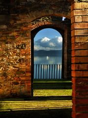 Serendipity (Dedicata ad Ilario) (Tati@) Tags: light lake shadows view balcony serendipity umbria passignanosultrasimeno