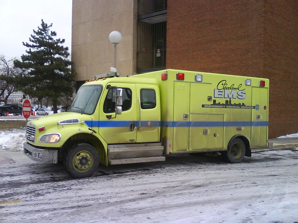Cleveland EMS Medic 9