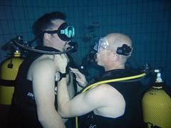 Remonté assistée (PhilR66) Tags: eric phiphi dive diving scubadiving fosse philippe piscine plongée abyss 20m civaux abyssplongée