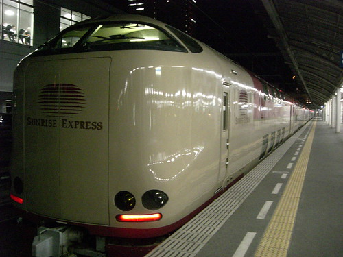 "285系電車寝台特急サンライズ瀬戸/285 Series EMU Sleeping Limited Express ""Sunrise Seto"""