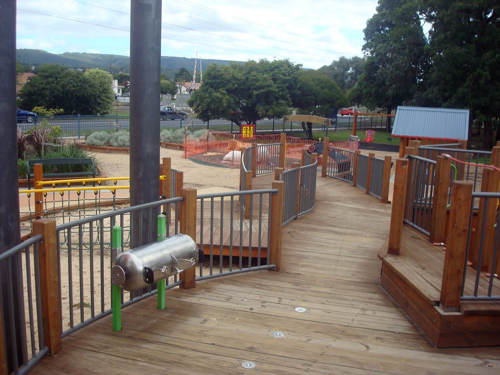 Wheelchair accessible play structure