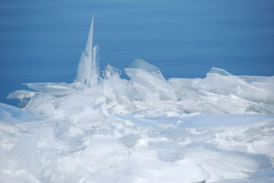 the lakes ice sculpture 1