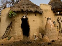 "Tata ""Somba"" (Justinsoul) Tags: voyage africa leica trip travel flickr afrika benin paysage pays pais afrique   somba atakora vlux1 geo:dir=0  otammari fluidr geo:lon=1100922 justinsoul geo:lat=10186765"