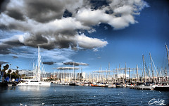 Puerto de Barcelona (Coke Saeba) Tags: barcelona rock azul port puerto mar spain mediterraneo barco hard mimo pajaros font catalunya gaviotas hdr boqueria pintor catalua ramblas colon olimpic rambla mercat velero d60 josep canaletes saeba