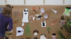 Mitä kaikkea metsästä löytyy? (Vantaan kaupunginkirjasto) Tags: ghost vantaa askartelu kummitus pointinkirjasto tottatarua2009 pointlibrary children´sliteratureevent