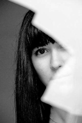 フリー画像| 人物写真| 女性ポートレイト| 白人女性| モノクロ写真|       フリー素材|