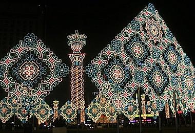 Amazing Labels: Amazing Christmas Lights Around The World
