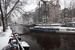 Brouwersgracht Amsterdam in the Snow (Alan Ward Wirral) Tags: winter snow amsterdam snowinamsterdam winterinamsterdam